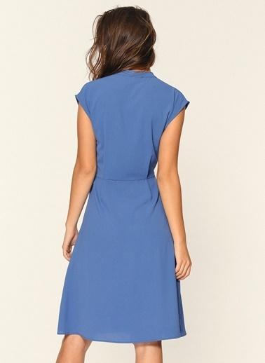 Loves You Düşük Kol Kuşaklı Crep Elbise Mavi